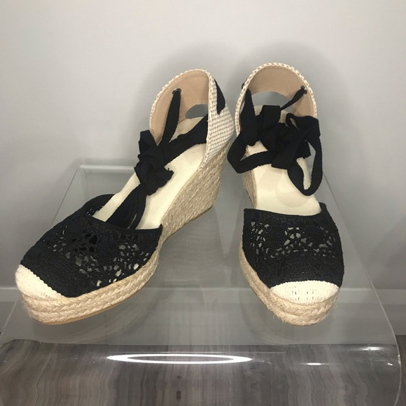 Laceup Wedge
